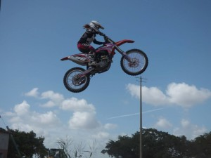 Guide to Get Started in Motocross Racing
